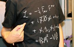 橋本先生のお気に入りTシャツ